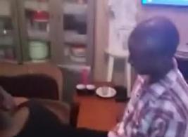 مقاطع فيديو ابتزاز بنت في صنعا من قبل عصبت سكس مجانًا على موقع XXX ...