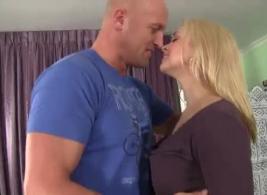 مقاطع فيديو سكس امهات ممحونات crab porn مجانًا على موقع XXX الشهير.