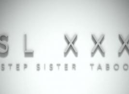 شقيقة الخطوة السيئة تمتص قضيبها السميك من شقيقها ، بينما كانت على طاولة التدليك