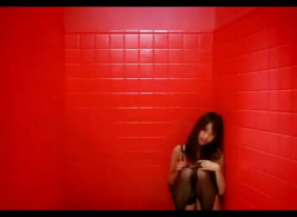 فتاة جميلة مع الدهون الحمار مارس الجنس من الصعب